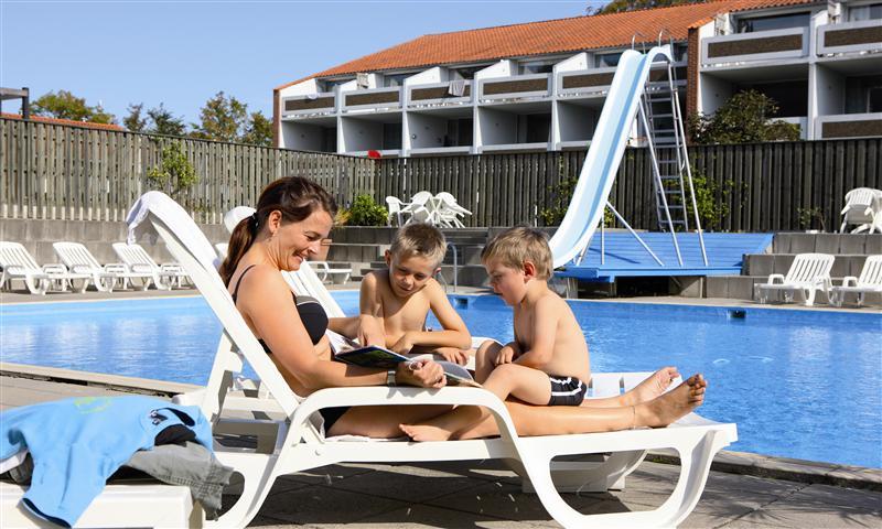 klinten-feriecenter-pool-boliger